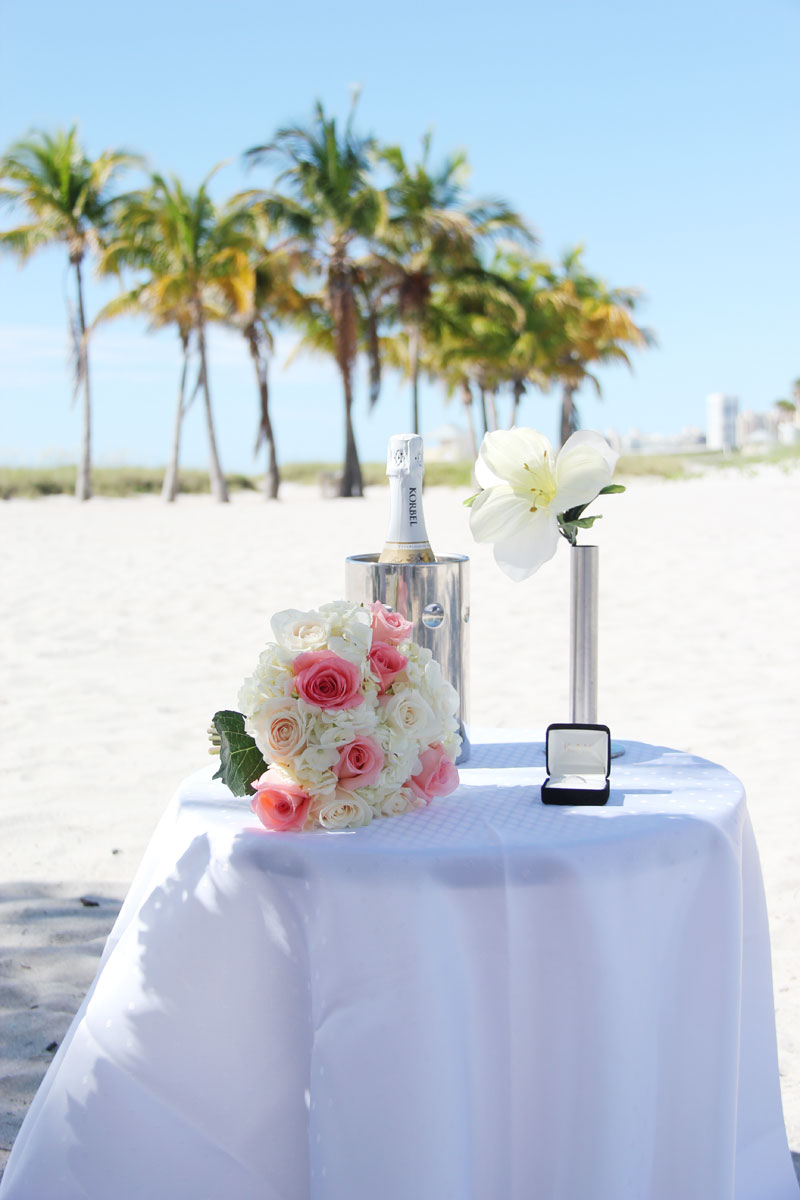 Intimate Beach Wedding 595